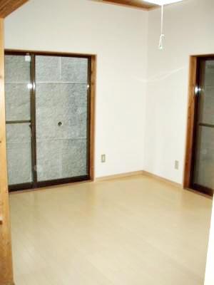 古い和室から洋室にしました。