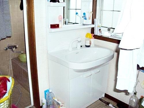洗面ボールの広い洗面台に大満足です。