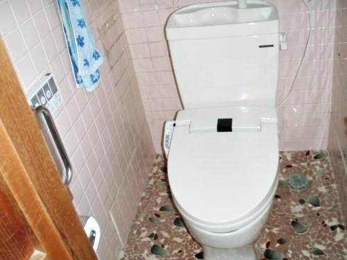予算内で洗面所とトイレのリフォームが出来ました。
