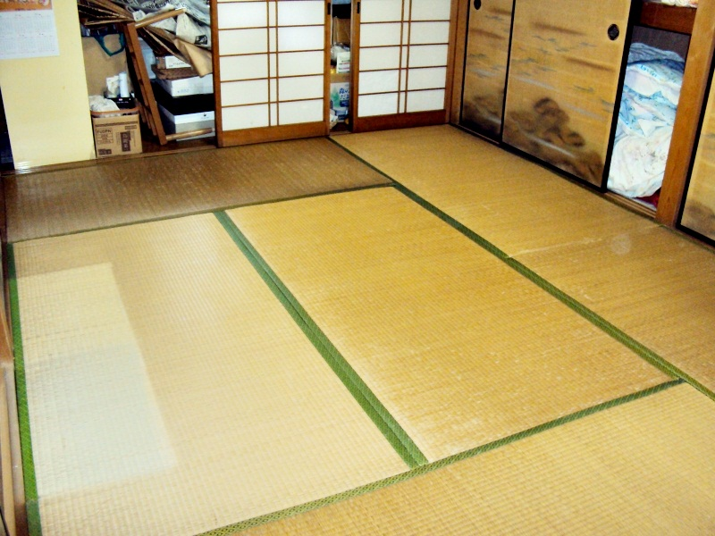 荒床の貼り替えで、足下が安心です。