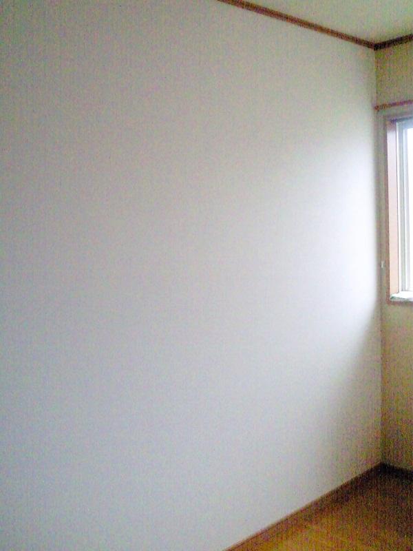 間仕切り壁でワンルームの子供部屋を2つの個室に。