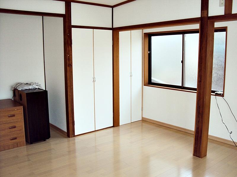 和室から洋室へのリフォームと、外壁の貼り替えをしました。