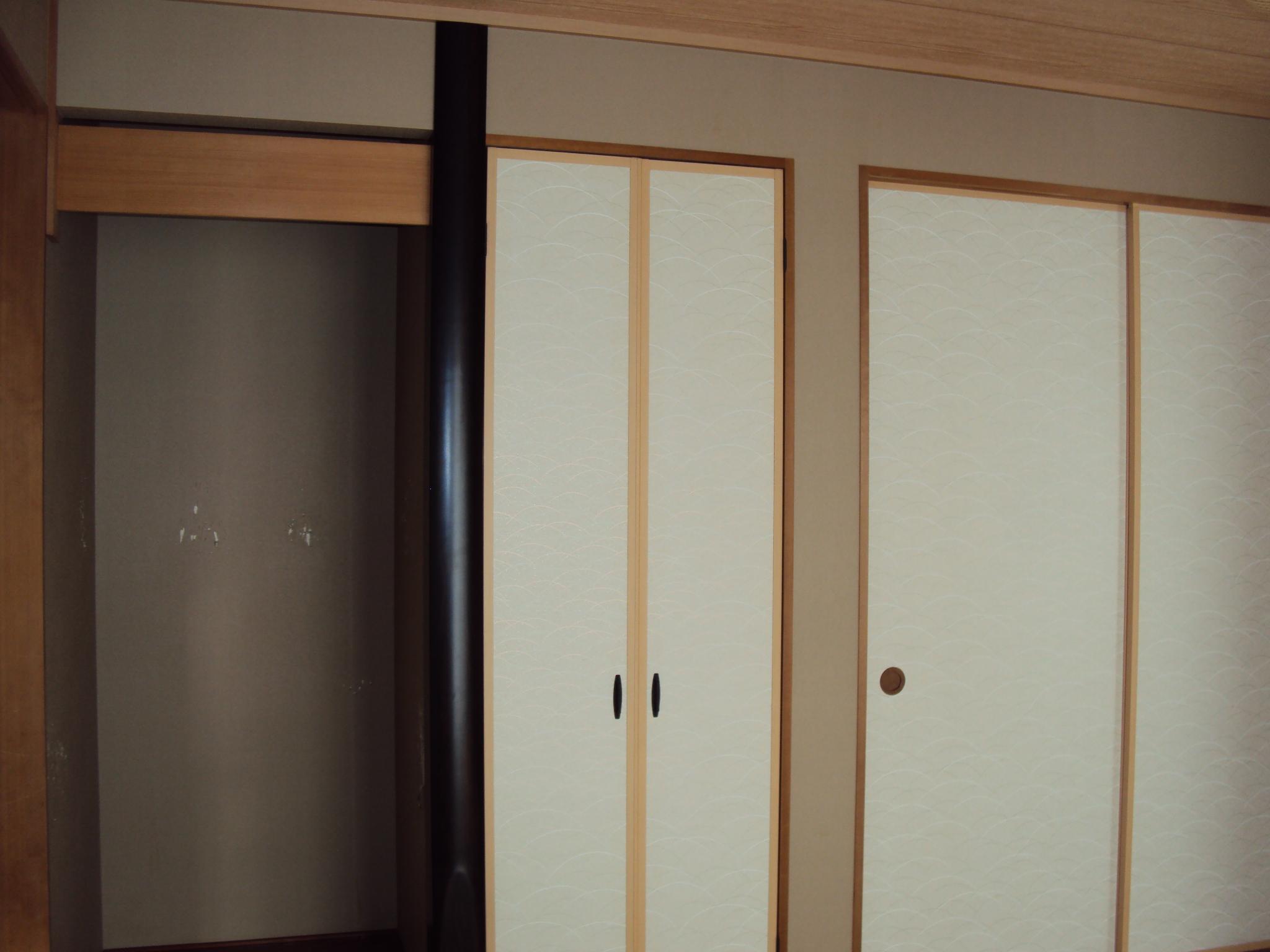 和室のクロスを貼り替えました。