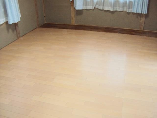 和室6帖の畳をフロアー貼りにしました。