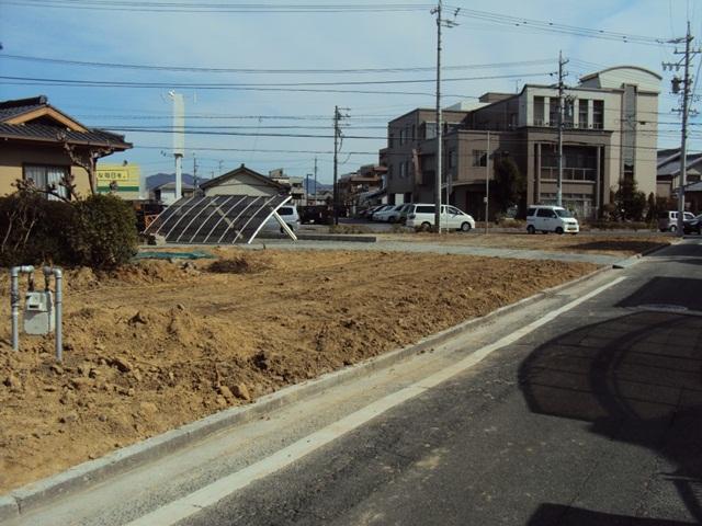 塀解体、植栽・庭石撤去をしました。