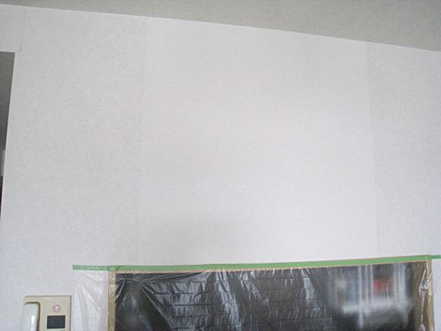 マンションの壁の補修工事をしました。