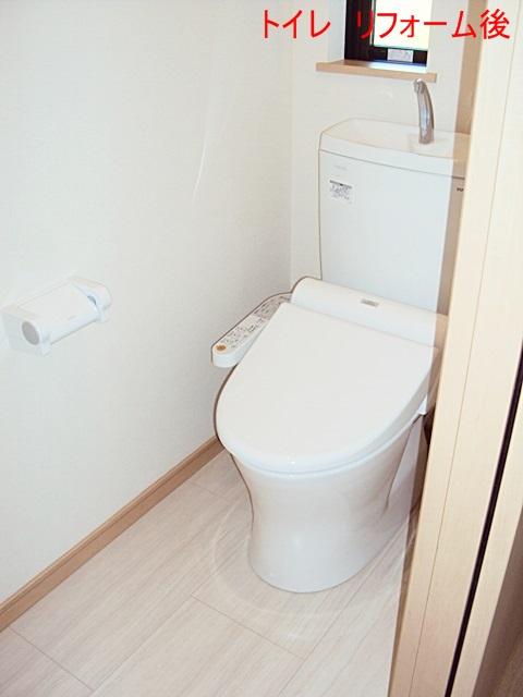 トイレは個室の面積を既存より小さくしましたが、ホワイトを基調とし明るく衛生的な空間となって居ます。