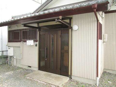 玄関ドア取替と和室→洋室に改修をしました ほか他