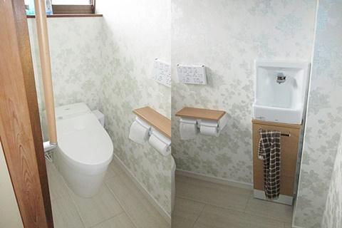 トイレは耐水フロアーを貼り、新しい設備機器を取り付けました。TOTOのタンクレストイレ「ネオレストDH1」を選定され、コンパクトでスッキリとした空間になりました。小型の手洗いも取り付けられ使い勝手が良くなりました。