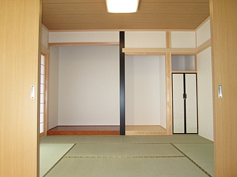 心落ち着く和室は、イ草の香りがとても心地よく感じられます。