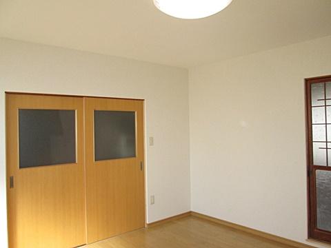 倉庫の一室を休憩室にリフォーム。