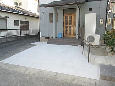 外構工事で駐車場を広げました。