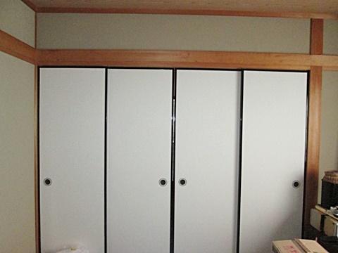 和室の襖を張り替えました。