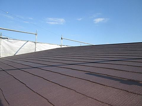屋根と外壁の塗り替えをしました