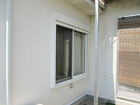 出窓をサッシに取り替え、板金工事、レンジフード交換