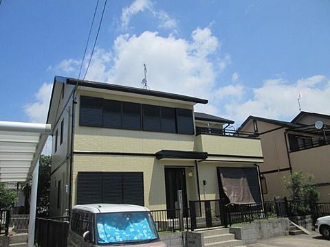 外壁と屋根の塗り替えをしました