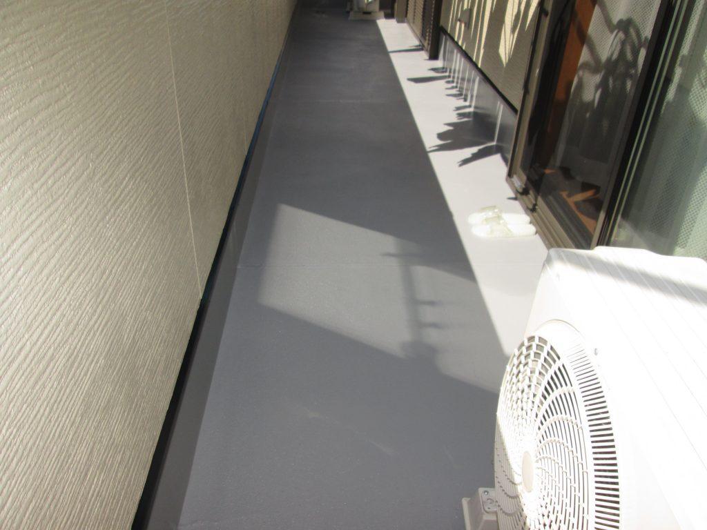 外壁の塗り替えと洗面化粧台交換をしました