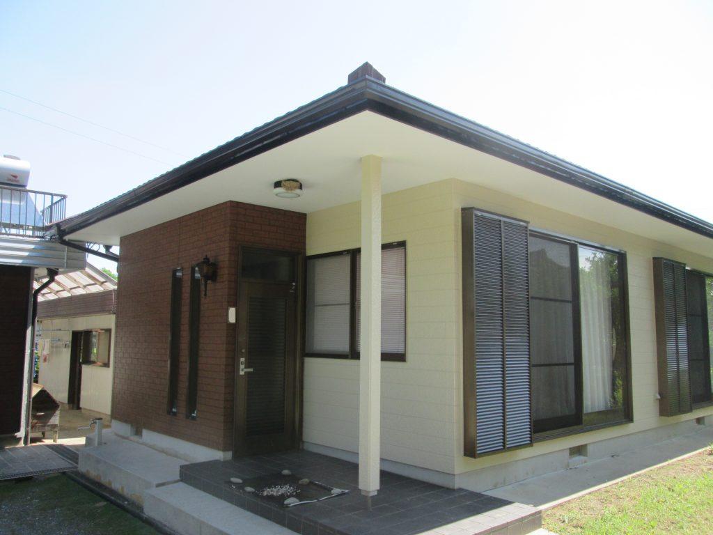 屋根と外壁を塗り替えました(ウォールバリア多彩仕上げ工法)