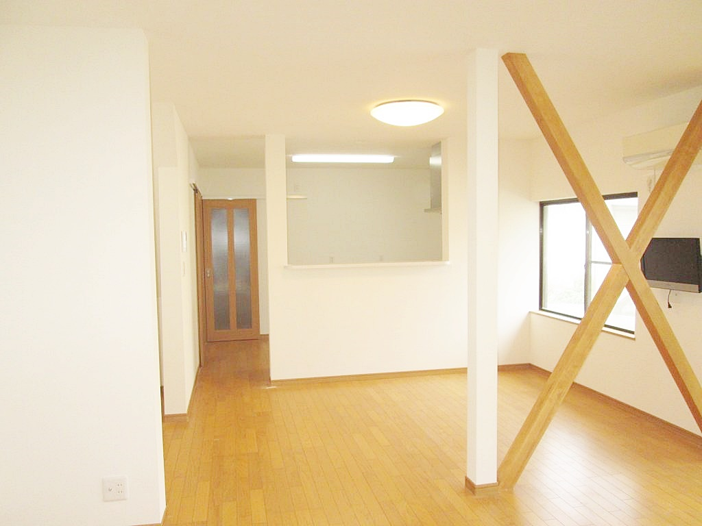 1階のLDKは、既設の4部屋分のスペースを利用し、広々とした大空間でご利用いただけるようになりました。