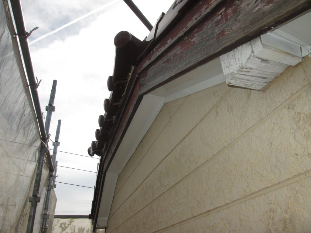 外壁の張替えと塗り替えをしました