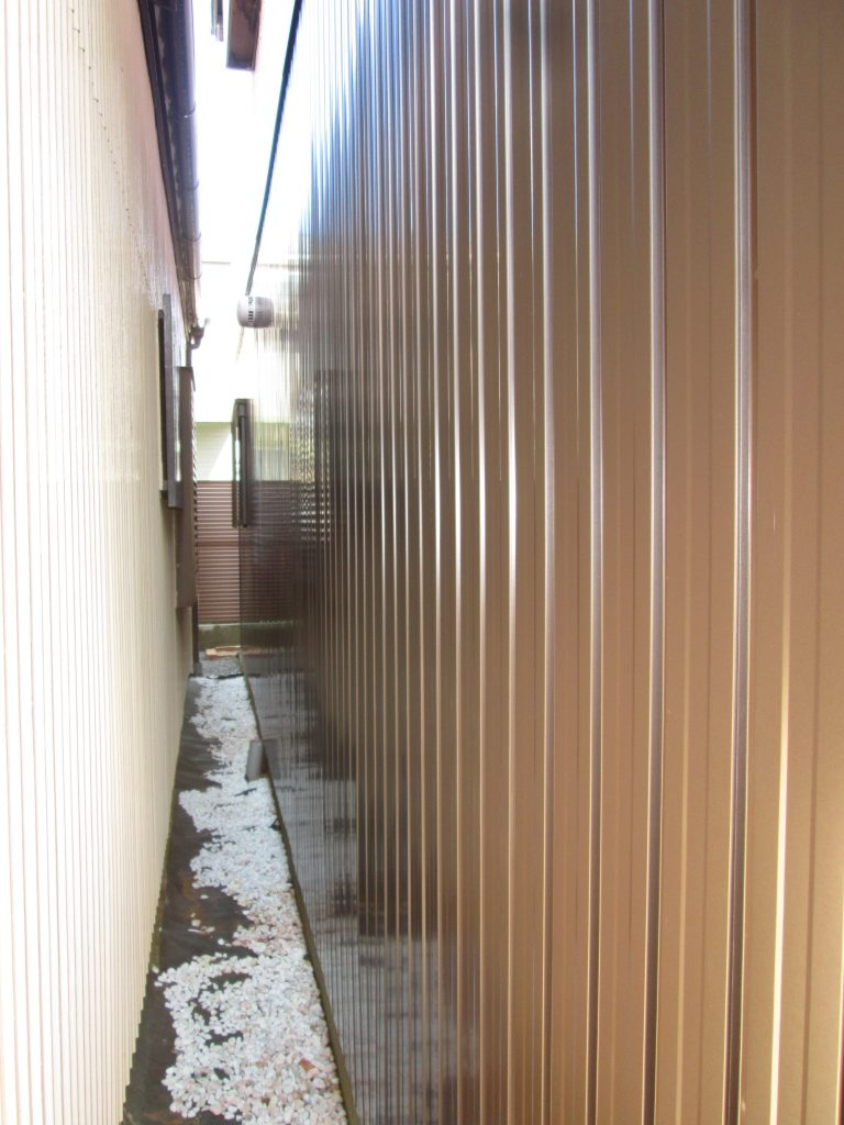 板金外壁を張り替えました