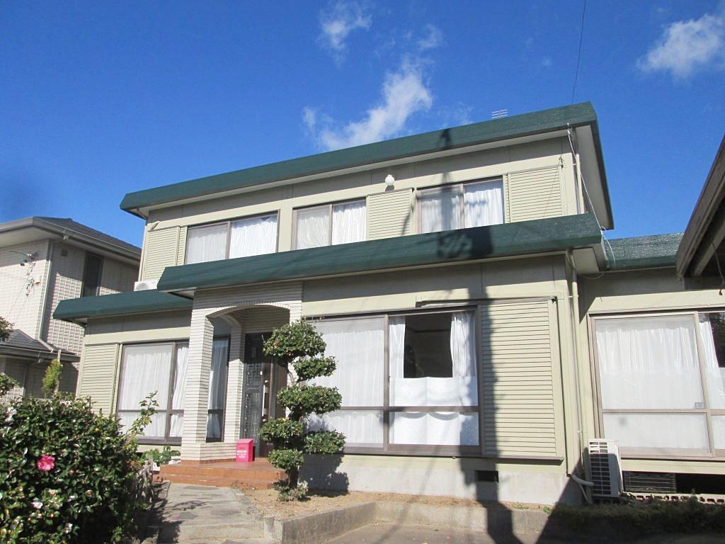 折半屋根と外壁の塗り替えをしました