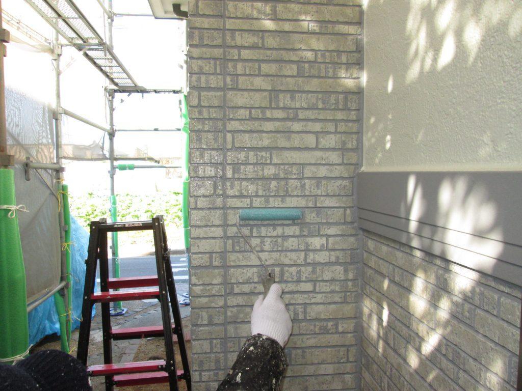 カラーベスト屋根の補修と塗装、ウォールバリア多彩仕上工法で外壁塗装をしました