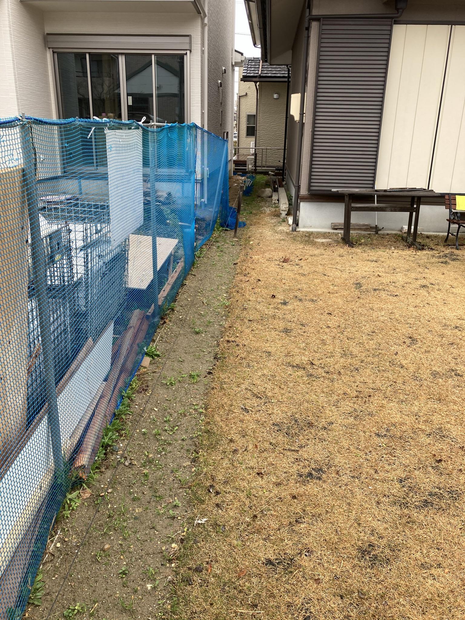 境界フェンスの設置をしました
