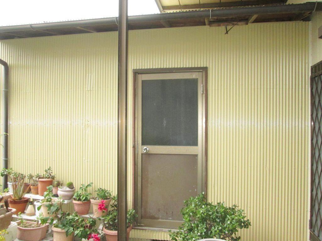 外壁の塗り替えと板金工事をしました