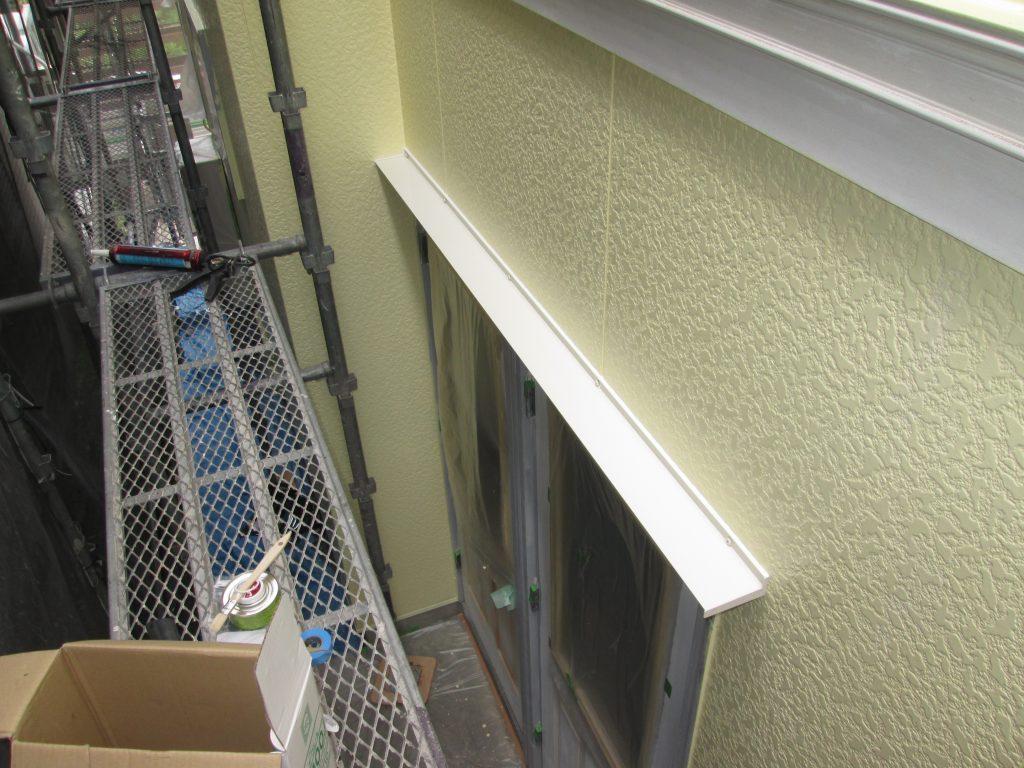 外壁と屋根の塗り替え、玄関サッシの塗り替えをしました