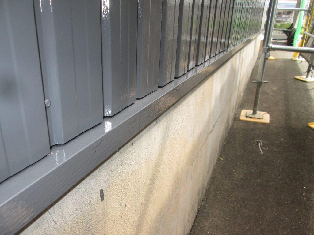 社屋の外壁を塗り替えました