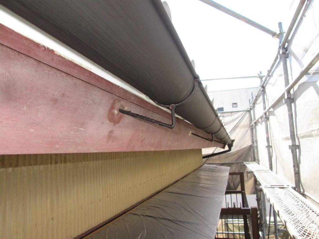 屋根の吹き替えと外壁塗装、板金工事をしました