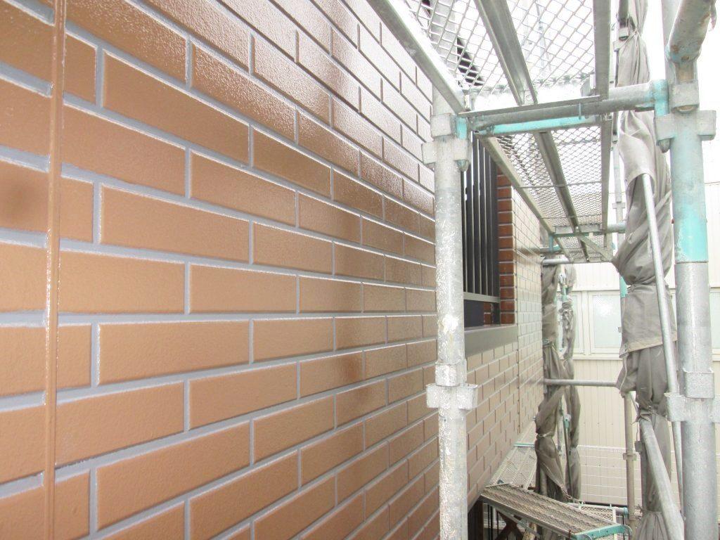 雨漏りがあった外壁の張り替えと塗り替えをしました